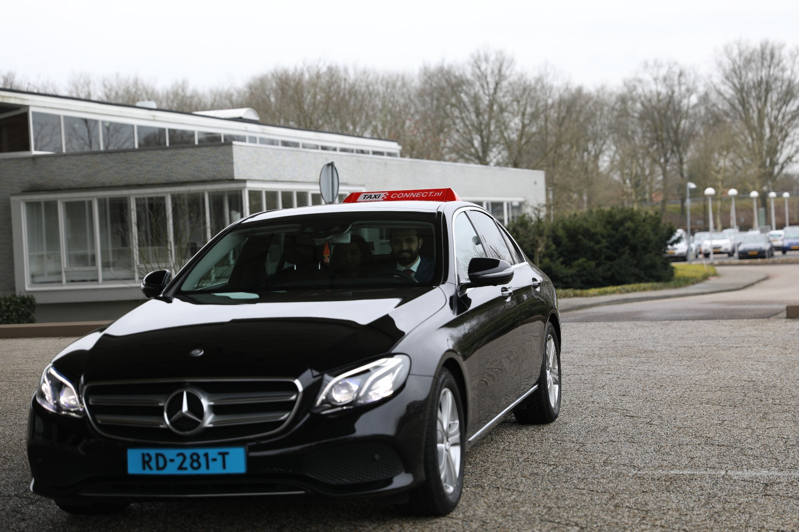 taxi-eindhoven-mercedes